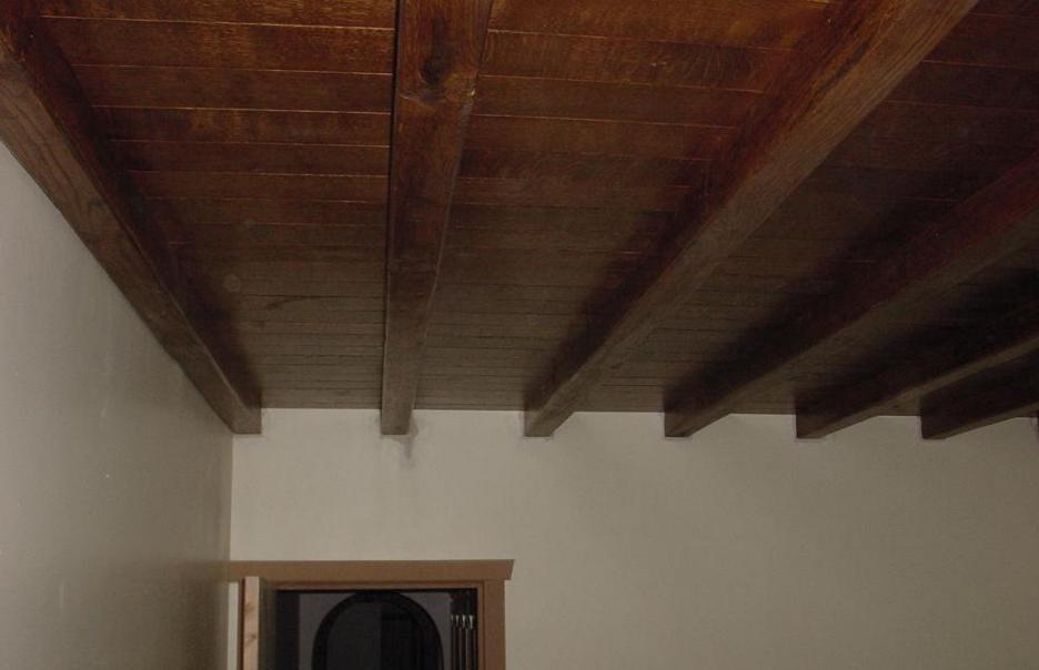 Apr s photo 5 8 eclaircie et trait e la chaux puis for Peindre un plafond avec des poutres